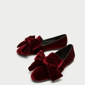 Zara Shoes - NEW WITH TAGS Zara Velvet Loafer with Bow Size 6